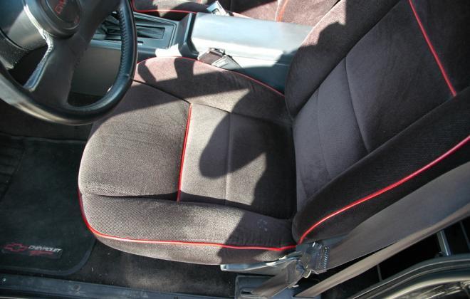 1991 Black GMC Syclone pickup number 92 (26).jpg