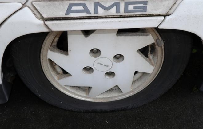 1991 Mitsubishi Debonair AMG 3000 Royal images (5).png