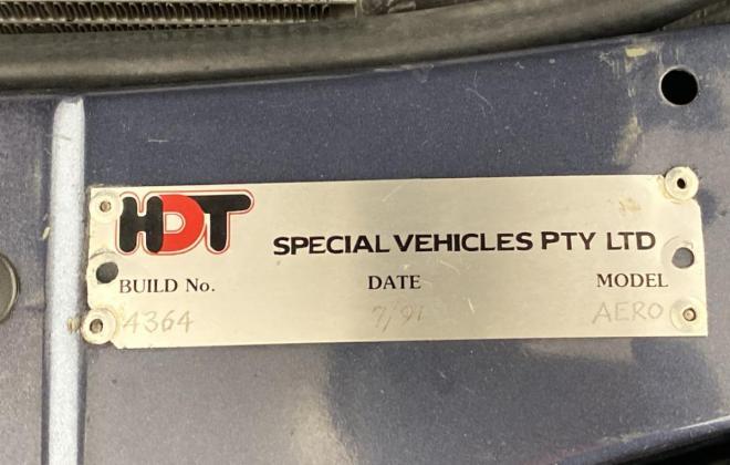 1991 VN Commodore HDT Aero V8 sedan images Blue (16).jpg