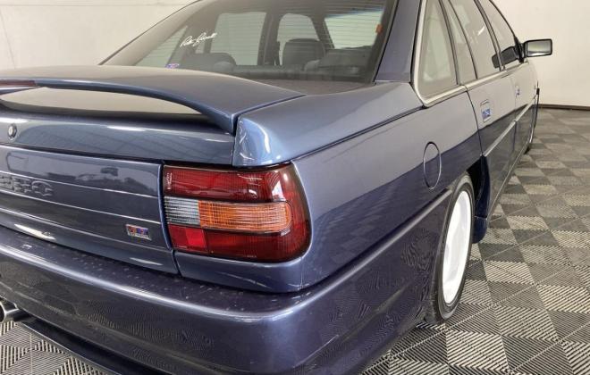 1991 VN Commodore HDT Aero V8 sedan images Blue (18).jpg