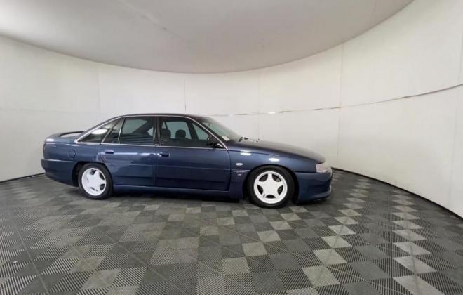 1991 VN Commodore HDT Aero V8 sedan images Blue (3).jpg
