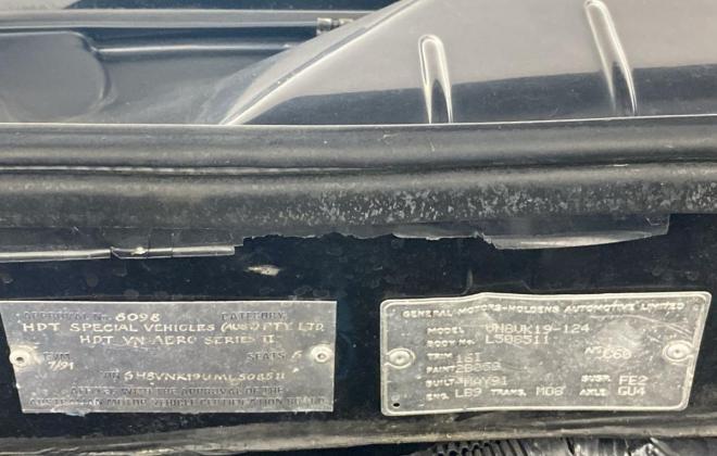 1991 VN Commodore HDT Aero V8 sedan images Blue (6).jpg