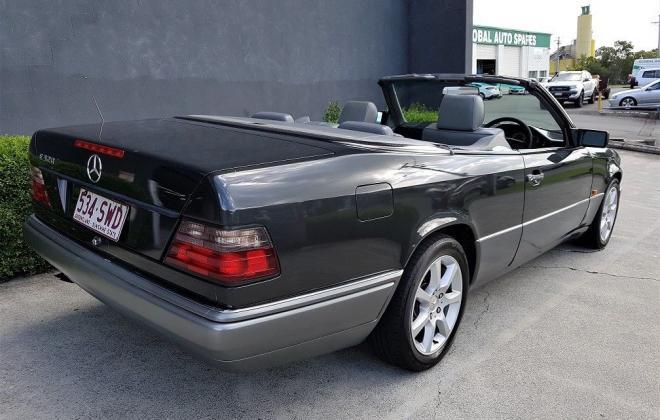 1993 Mercedes W124 E320 Cabriolet black on grey images (5).jpg