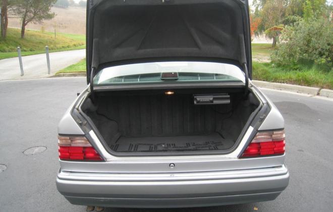 1994 Mercedes W124 500E silver metallic USA (14).jpg
