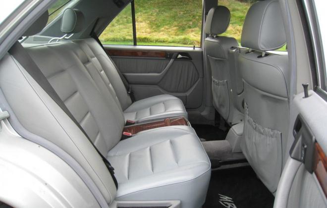 1994 Mercedes W124 500E silver metallic USA (15).jpg