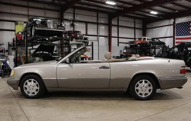 1995 Mercedes W124 E320 Cabriolet convertible smoke silver images (30).jpg