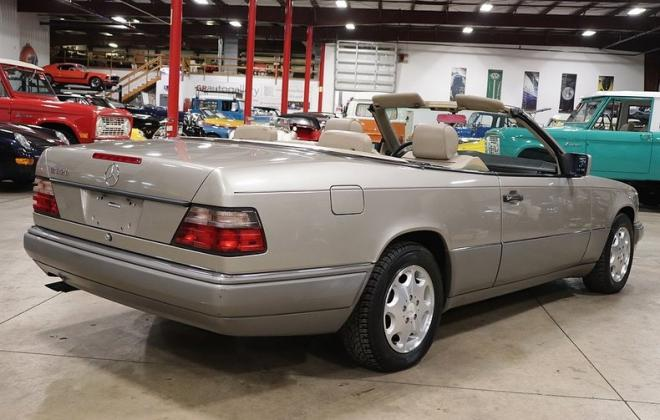 1995 Mercedes W124 E320 Cabriolet convertible smoke silver images (7).jpg