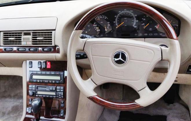1998 Mercedes 140 coupe steering wheel timber trim image.jpg