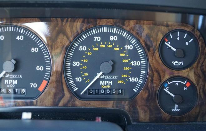 2. Jaguar XJR-S dashboard instruments.jpg