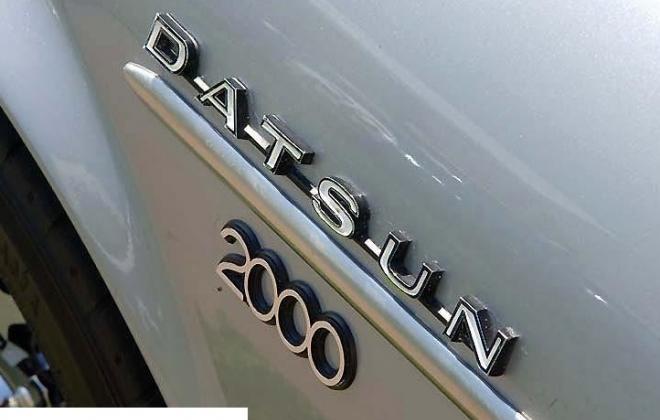 2000 badge.jpg