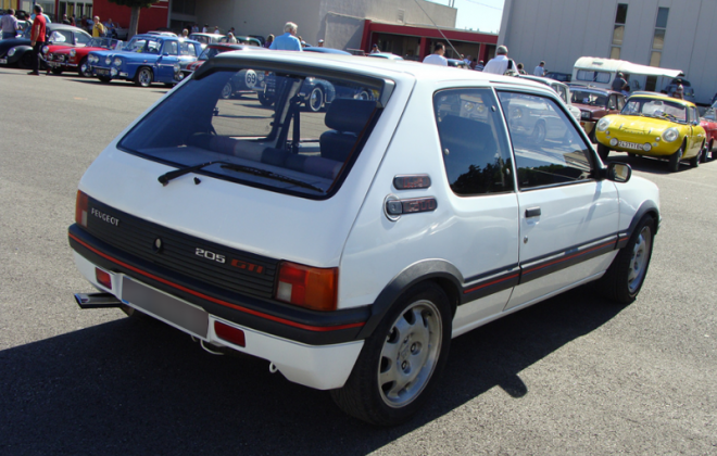 205 GTI Alpine White Phase 1.png