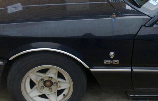 5.8 badge mudguard Ford XD ESP Fairmont Ghia.png