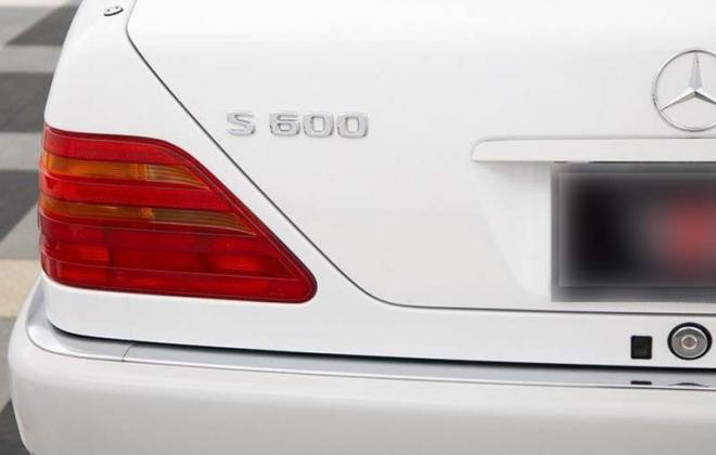 95 s600 rear badges.jpg