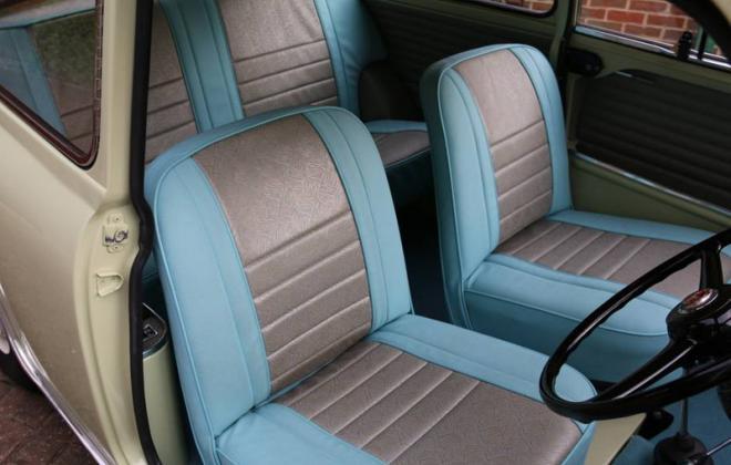 970cc Morris Cooper S MK1 Interior 1964.jpg