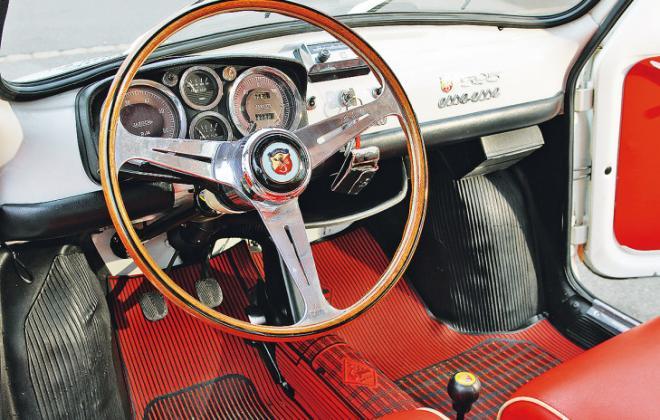 Abarth 595 SS interior.jpg