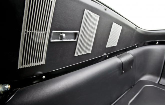 Air vents GT 350 interior 1965.jpg