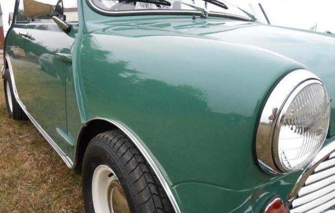 Almond Green Morris 1071 Cooper S.jpg