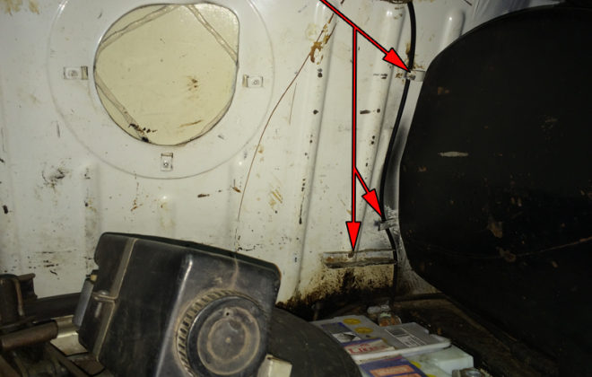 Australian Clubman GT breather hose tags in trunk RHS fuel tank.png