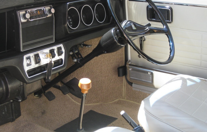 Australian Clubman GT dashboard radio mini.png