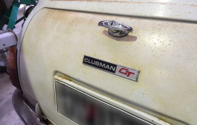 Australian Leyland Mini Clubman GT bootlid badge.png