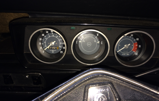 Australian Mini Clubman GT Leyland dash pod 6500 RPM and 120MPH speedo.png