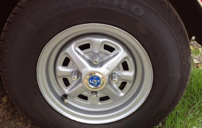 Australian Mini Clubman GT Rostyle 10 inch wheels copy.png
