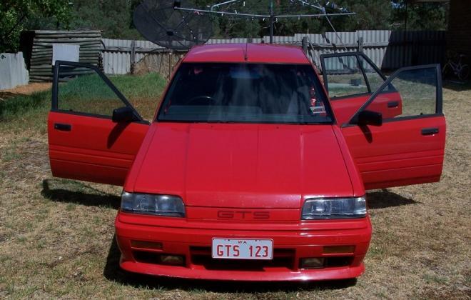 Australian Nissan Skyline Silhouette GTS2 sedan red 1989 (1).jpg