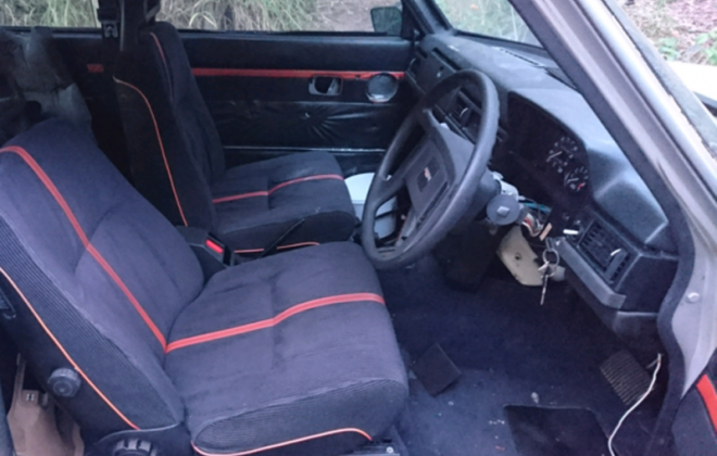 Australian late dashboard Volvo 242 GT image.png