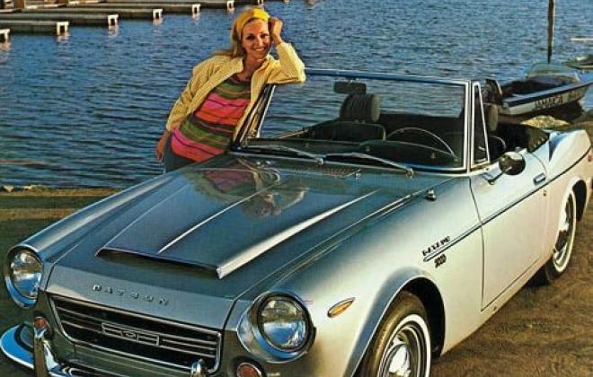 Beige Gray Metallic Datsun 2000 sports 1969 Fairlady.jpg