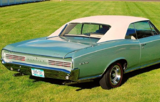 Beige Vinyl Roof Pontiac GTO 1966.jpg