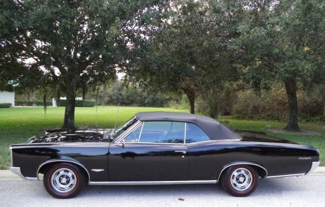 Black convertible top 1966 Pontiac GTO.jpg