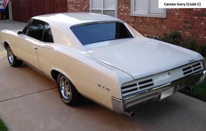 Cameo Ivory Pontiac GTO 1967.jpg