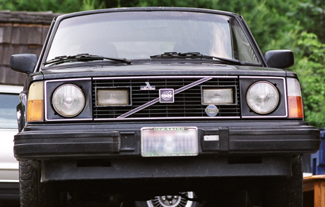 Canadian Volvo 242 GT with Lambda Probe system badges.png