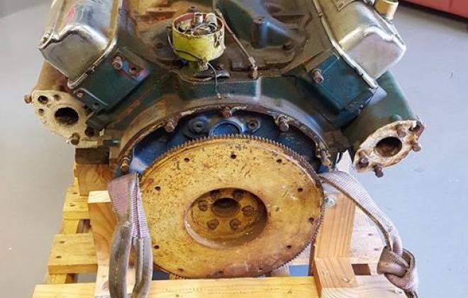 Chrysler V8 318 marine engine halvorsen (4).jpg