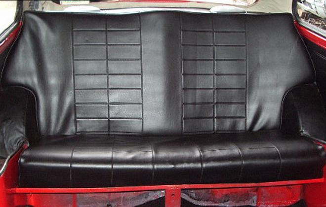 Clubman GT Australia Black rear seat trim.png