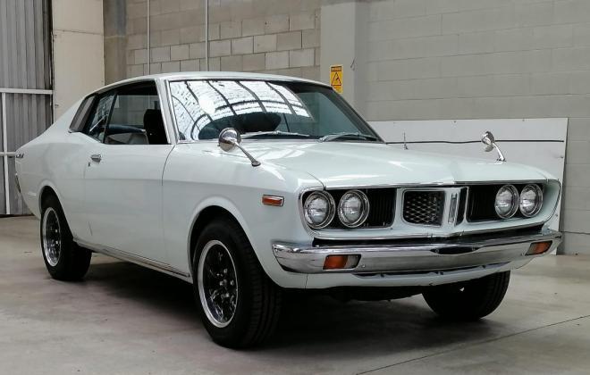 Corona Mark II white coupe images 70s (3).jpg