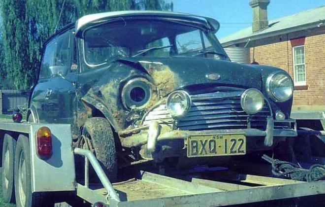 Crashed police MK2 1971.jpg