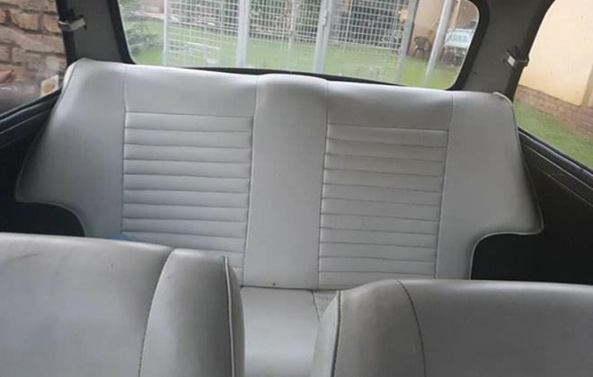 Cream early Leyland Mini GTS seats.png