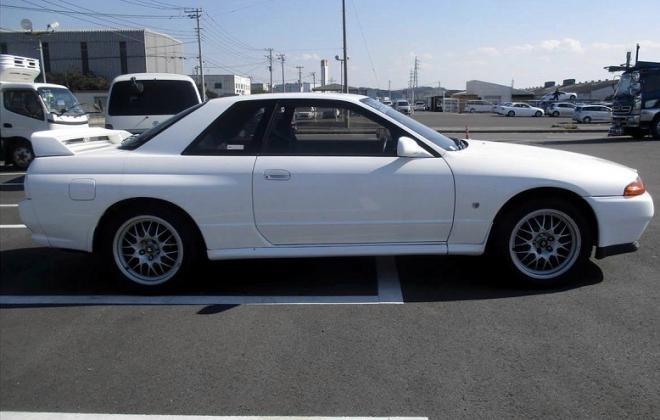 Cristal White 326 R32 GTR V-Spec II.jpg