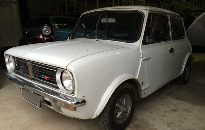 Crystal White Australian Clubman GT.png
