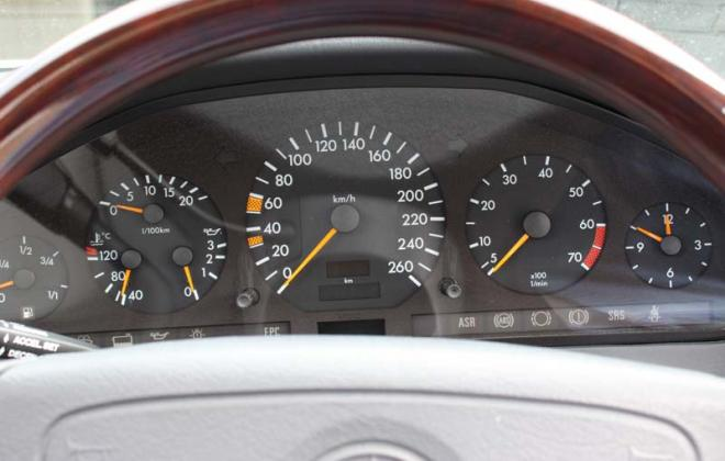 Dashboard Instruments C140 kph speedometer.jpg