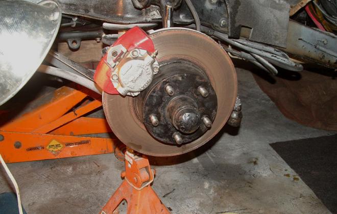 Disc brake close up dunlop bendix copy.png