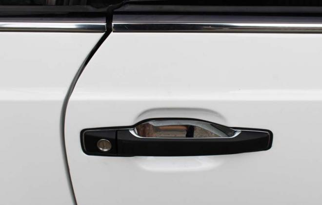 Door handle black C140 Mercedes images.jpg