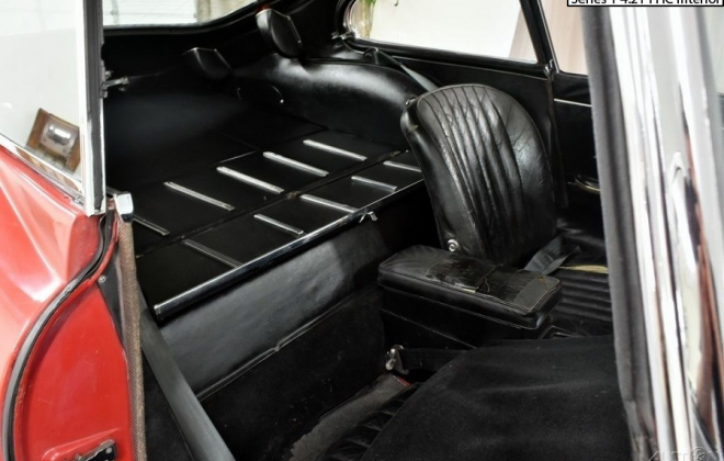 E-Type Series 1 4.2l interior image and dashboard (2).png