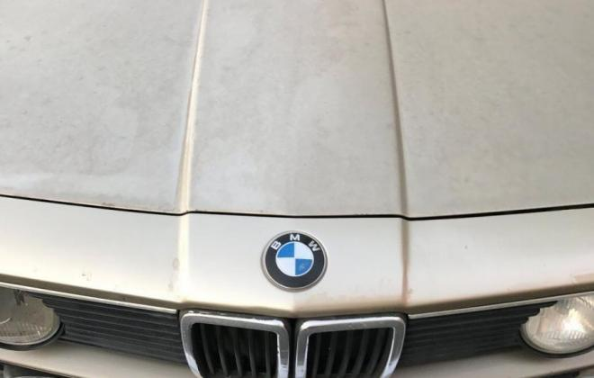 E23 7 series BMW 735 bonnet.jpg