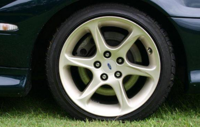 EL Ford Falcon GT front alloy wheels and disc brakes image.png
