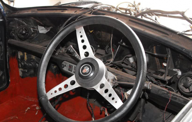 Early Mini GTS steering wheel (South Africa).png