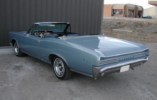 Fontaine Blue 1966 Pontiac GTO.png