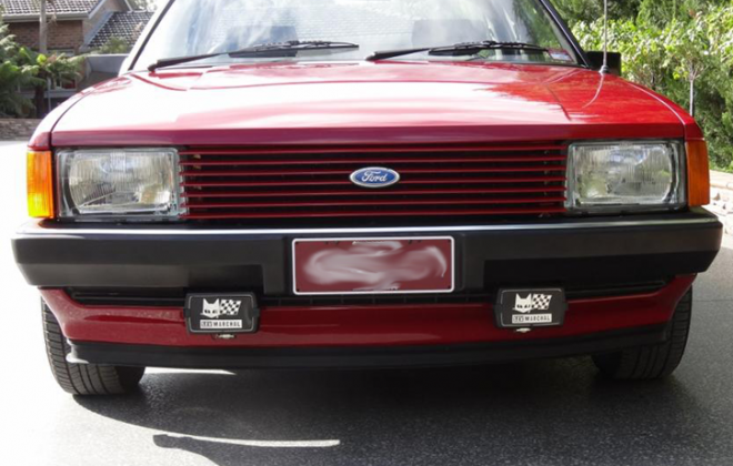 Ford Falcon Fairmont Ghia XD ESP Marchal driving lights fog lights (2).png