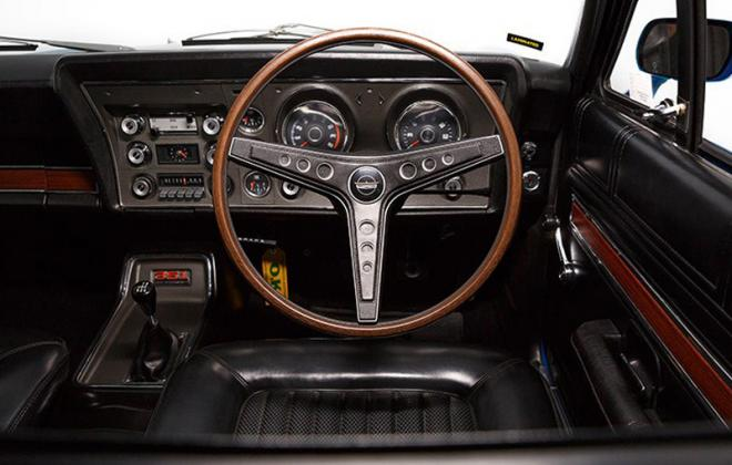Ford Falcon GT XW 1969 1970 steering wheel dash.jpg